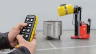 Vídeo sobre a movimentação telecomandada de bidões