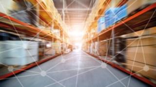 Armazém interligado em rede através de software para intralogística e automatização