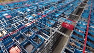 Fluxo de materiais num armazém de mercadorias da Linde Material Handling