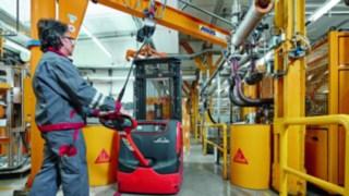 Stacker em utilização na Sika Deutschland GmbH