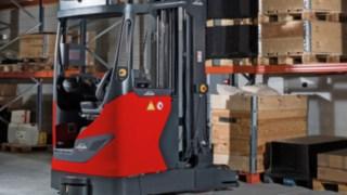 Linde R-MATIC armazena mercadorias de maneira automática em estantes de grande altura